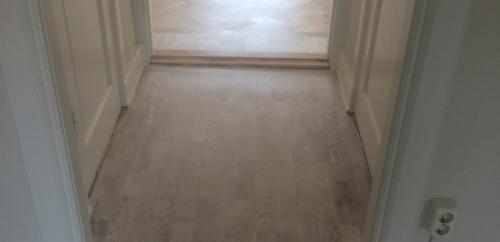 Vitpigmenterade golv hel lägenhet (3)